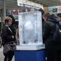 Nokia Lumia 800 buried in ice, challenges you to dig it out