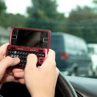 US Transportation secretary won't ban cell phones on the road, hand-free calling