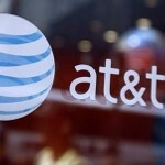 Did the Apple iPhone outsell Android at AT&T's corporate locations by nearly 8 to 1 this month?