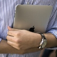 Businesses to spend $10 billion on iPads in 2012