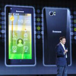 Lenovo K800 is the world's first Intel smartphone