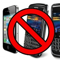 German Interior minister bans iPhones, BlackBerries