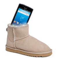Philadelphia school fighting cell phone misuse by banning Uggs