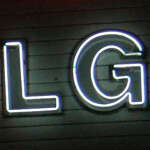 LG Fantasy for sale by XDA forum member; video of phone shown