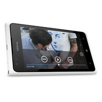 White Nokia Lumia 900 goes up for pre-order