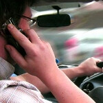 Feds want carmakers to make sure drivers are not tempted to text, browse or call while on the road