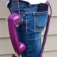 Accessory Fail: Retro 2 Go handset holster