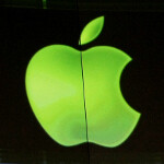 Apple now in rarefied air, company worth half a trillion dollars