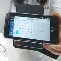 LG shows off WCD-800 wireless charger at MWC 2012