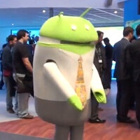 MWC 2012: dancing Android!