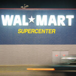 Walmart to offer new Apple iPad at 12:01 am Friday