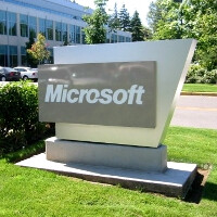 Microsoft gently reminds employees to steer clear of iPad purchases on the company's dime
