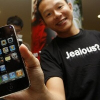 Carriers sell most iPhones, Best Buy selling almost as many as Apple Stores