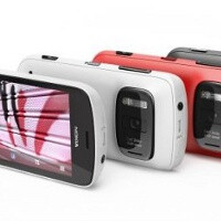 Nokia 808 PureView goes for pre-order in Europe, landing in May