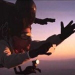 HTC One experiment brings skydiving model and student photographer for a photoshoot in the sky