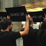 """Was RIM behind the """"Wake Up"""" protests outside that Australian Apple Store?"""
