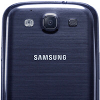 Picture and video samples from the Samsung Galaxy S III appear with encouraging quality