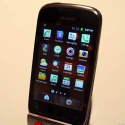 Huawei Ascend Y200 delivers Android on a budget, U.S. launch inbound