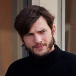 Pictures of Ashton Kutcher as Steve Jobs make the rounds