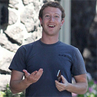 Facebook luring in former iPhone engineers for its smartphone, tablet