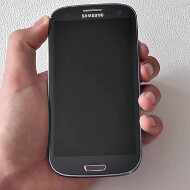 Blue Samsung Galaxy S III appears on video in a different shade