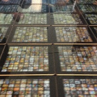 Apple builds a giant table out of 120 iPads, shows off top 20,000 apps