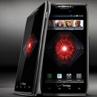 Motorola Droid RAZR, RAZR MAXX getting ICS update today: will make them first Verizon LTE phones with global roaming