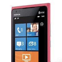 Nokia unveils pink Lumia 900, soon on AT&T