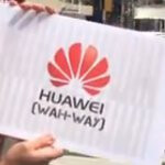 Huawei goes on the campaign in NYC to teach people how to properly pronounce its name