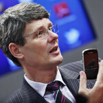 RIM CEO Heins says RIM better off with BlackBerry 10 delay