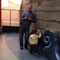 Are modern moms and dads too distracted by their phones?