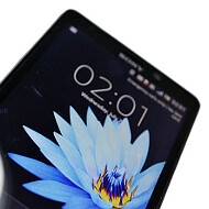 Sony LT30p Mint previewed, sporting WhiteMagic display tech and 13MP