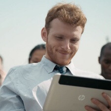 Mysterious HP tablet spotted in ad, could run on Windows 8