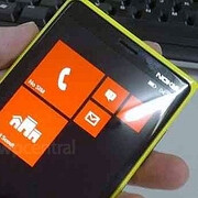 Nokia Windows Phone 8 prototype poses for the camera