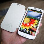 Spigen Samsung Galaxy S III Steinheil Curved Crystal Screen Protector and Ultra Flip Case hands-on