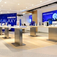Samsung takes a page off the Apple Stores book, opens a similar one Down Under