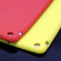 Alleged iPad mini cases photographed again
