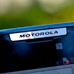 Report says shipments of panels for Motorola and Nokia models drop