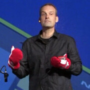 Nokia demonstrates Super Sensitive touch technology on the Lumia 920... using mittens