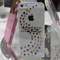Aluminum dummy mold of the new iPhone for case makers pops up, confirming the design rumors