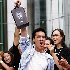 Apple fans from across the world line up for the iPhone 5, here are videos from the lines