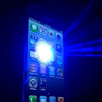 Wicked Lasers makes Siri protest an iPhone 5 meltdown