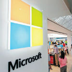 Are Microsoft Store employees misleading customers about Windows RT?