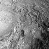 FEMA advises: prefer text over calls during hurricane Sandy to avoid network overload