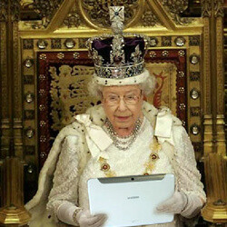The Queen adds a Samsung Galaxy Note 10.1 to the Royal Collection