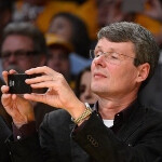 RIM CEO Heins brings a BlackBerry 10 handset courtside