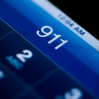 US carriers deploying text-to-911 service, get pat on the back by FCC