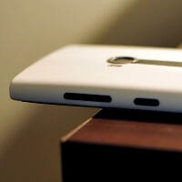 Mystery of the sliding Lumia 920: phone develops a mind of its own when lying flat