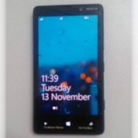Nokia Lumia 825 with PureMotion screen supposedly coming next year