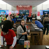 Microsoft announces plans for 2013 retail, will start the year with six new stores